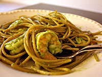 linguine-shrimp-pesto